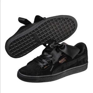Worn once Rihanna Fenty sneakers